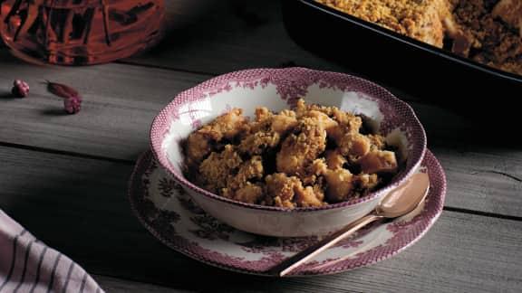 Croustade pommes-rhubarbe aux biscuits Graham et aux amandes