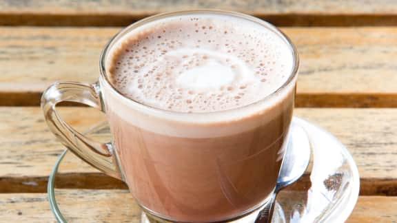 recette de chocolat chaud au lait d amande foodlavie. Black Bedroom Furniture Sets. Home Design Ideas