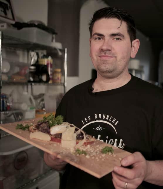 Cuisinez une tartine gourmande à l'effiloché de canard, oeuf poché et copeaux de parmesan avec notre chef!