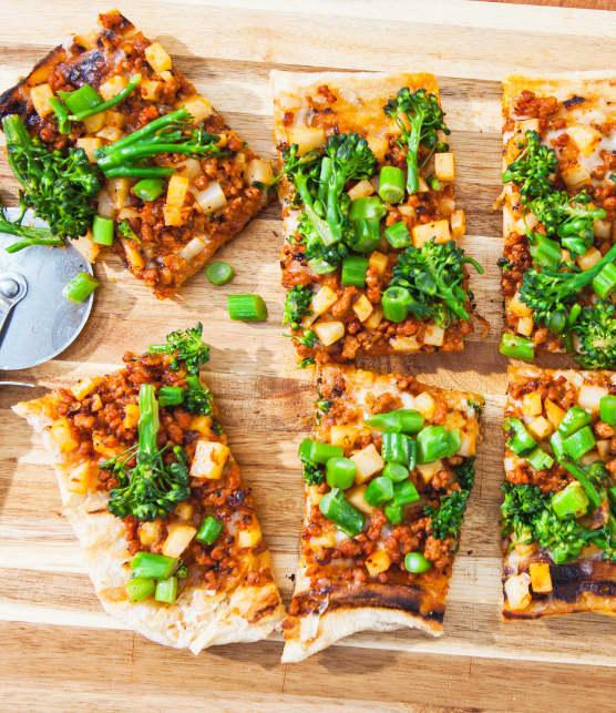 BBQ : quoi boire avec une pizza aux saucisses?