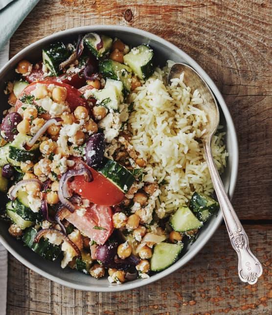Salade grecque au feta fondant