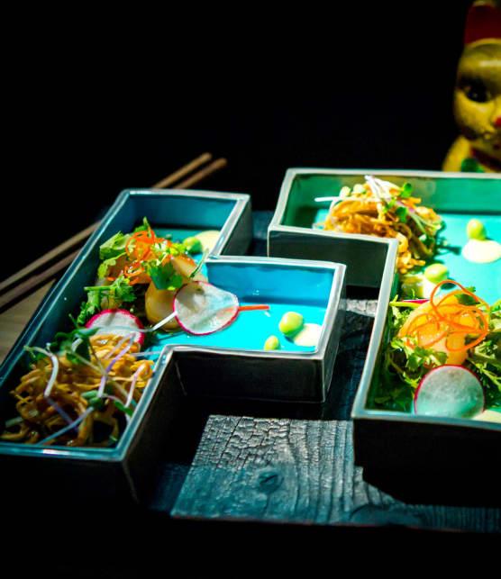 salade de sashimi aux pétoncles fumés
