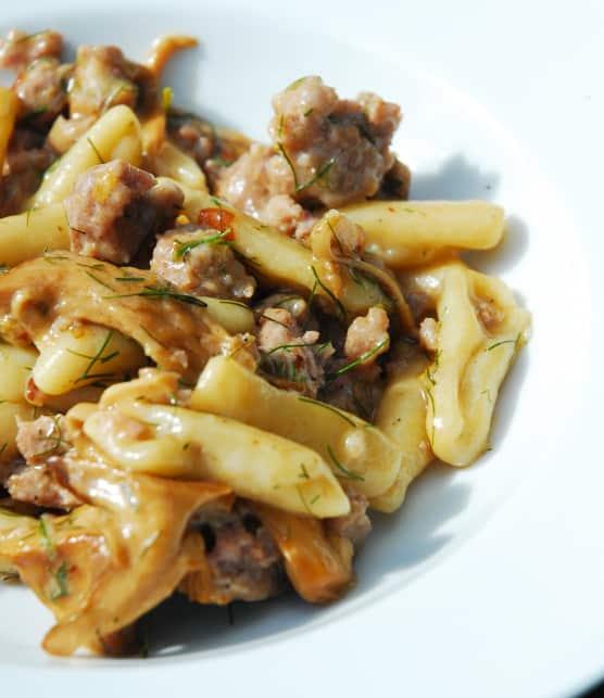 pâtes cavatellis avec saucisse, fenouil et champignons