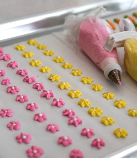 L'experte en décoration de sucreries vous montre comment réutiliser vos restants de glaçage royal