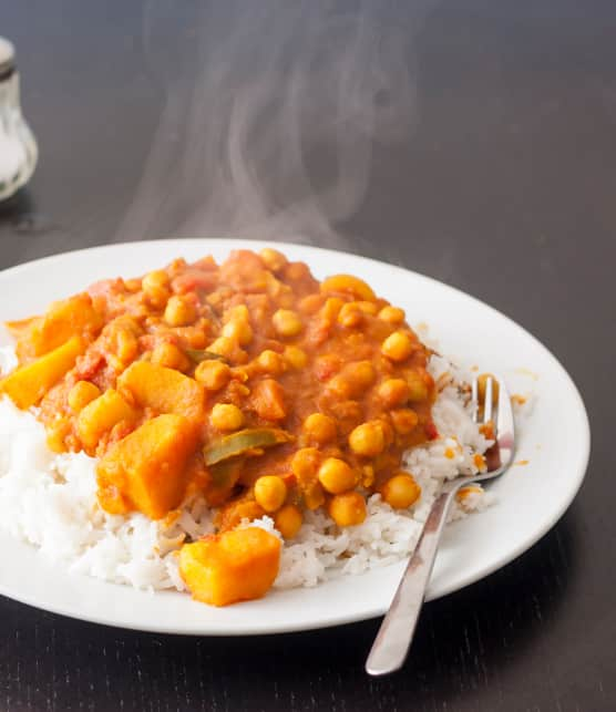 Curry de pommes de terres aux pois chiches (aloo chole)