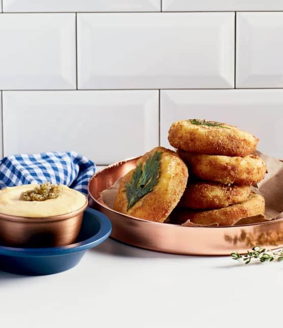 Croquettes de pommes de terre, fromage en grains et livèche