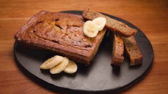 Pain aux bananes et chocolat au caramel