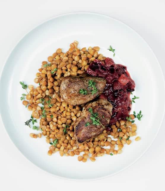 Filet de porc aux prunes et ras el hanout sur lit de lentilles au thym