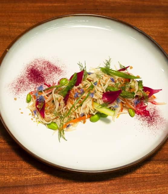 Salade de vermicelles et légumes marinés, érable, soja, coriandre