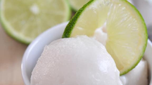Crème glacée lime et noix de coco