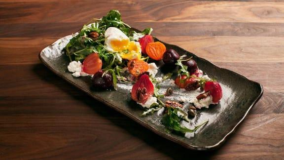 Salade de betteraves et de chèvre frais