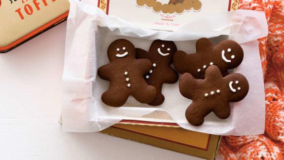 Biscuits en pain d'épice au gingembre frais et à l'orange