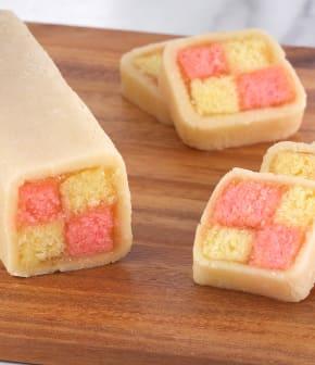Gâteau damier au massepain (gâteaux de Battenberg)