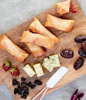 Rouleau croustillant de cheddar qualité summum au pesto et chutney de fraises