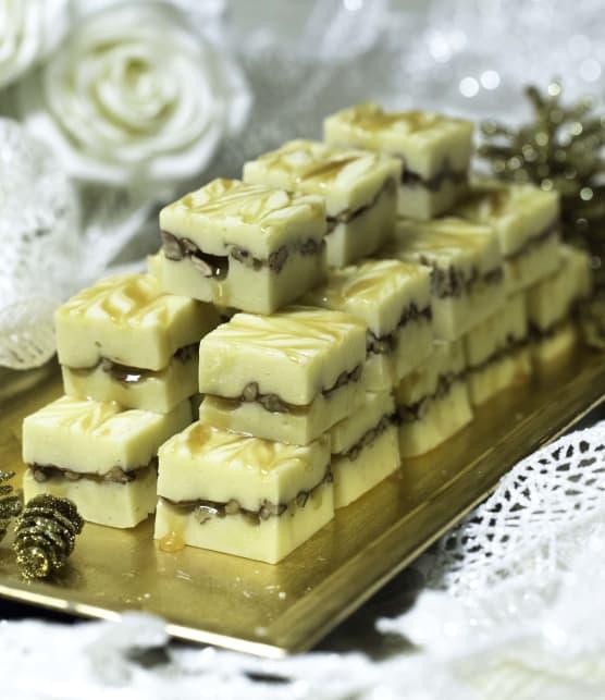 Fudge au chocolat blanc, caramel & noix de pécan