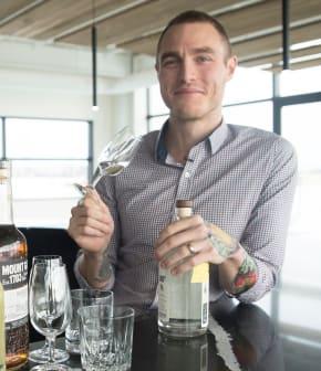 La différence entre le gin et la vodka selon Yan Aubé