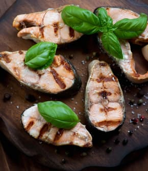 Darnes de saumon au basilic