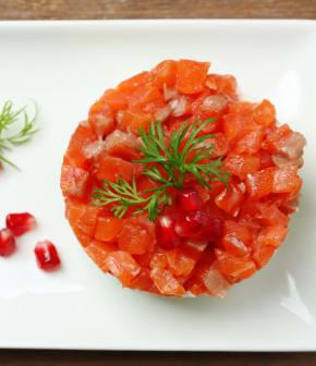 Tartare de saumon bio au fenouil et grenade