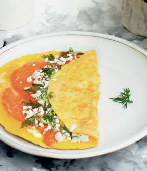 omelette à la truite fumée et à la feta égyptienne