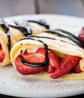 crêpes aux fraises, sauce noisette de Janella