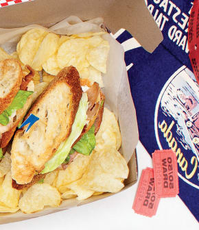 club sandwich au prosciutto et tomates séchées