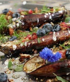 aubergines rôties, sauce au yogourt