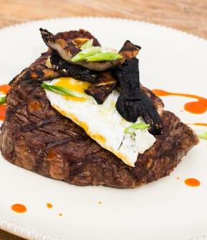 steak et oeuf frit