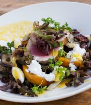 salade de fenouil, aubergines blanches et pêches façon niçoise