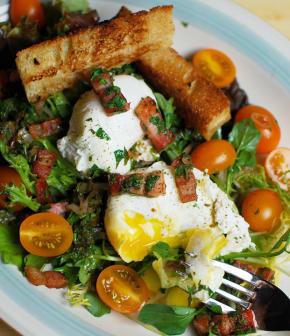 salade frisée au bacon