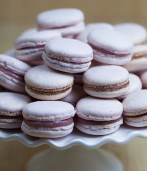 macarons au chocolat blanc et aux framboises