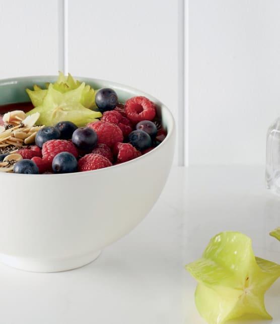 bol de smoothie aux petits fruits