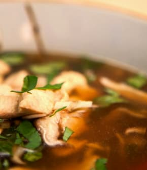 soupe Tom Yum au poulet
