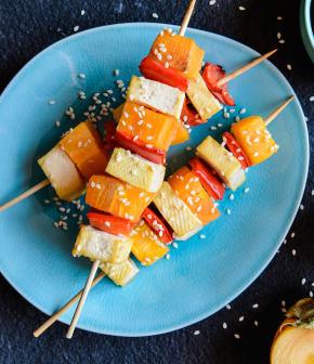 Brochette de tofu au sésame