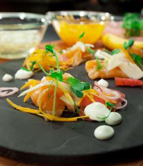 Présenter des légumes marinés de façon sophistiquée