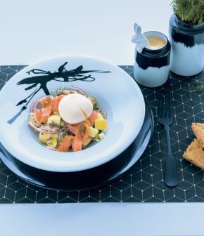 Recette de salade repas scandinave au saumon fumé
