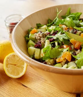 Salade de sarrasin, avocats et fruits