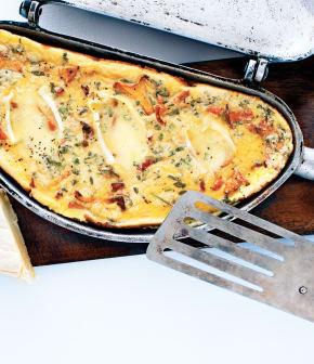 omelette au Gaulois de Portneuf, aux chanterelles et au jambon