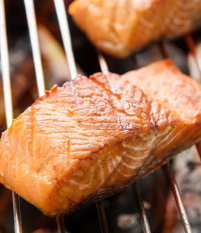 filet de saumon grillé et rémoulade au céleri-rave