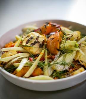 salade de halloumi et nectarines grillées