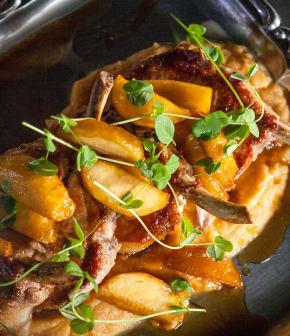 Recette de côte de porc, pommes caramélisées, purée de rutabaga