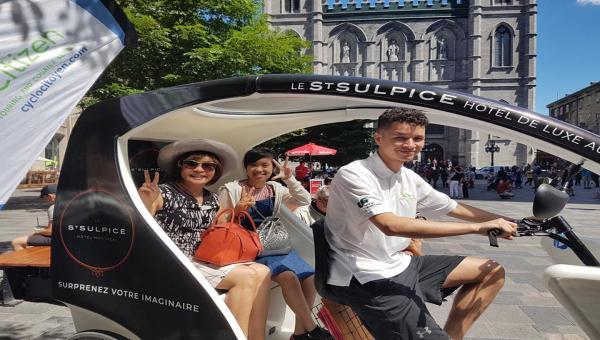 Guide touristique en vélo-triporteur électrique