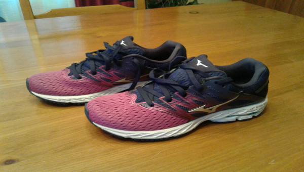 Souliers de course Mizuno Wave Shadow 2