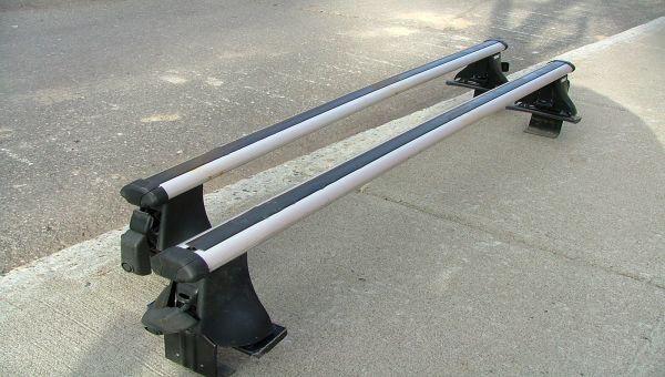 Thule 400xtr Rapid Aero Rack Complete - Honda civic