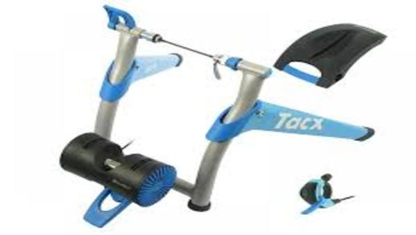 Support d'entraînement TACKS BOOSTER T2500