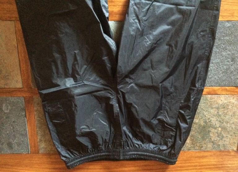 Pantalons imperméables XL ou XXL (taille 36 ou 38)