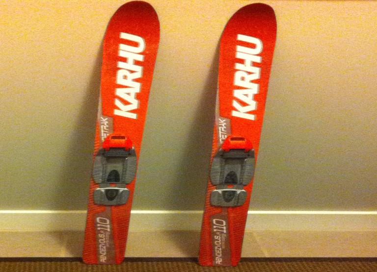 Ski de fond pour enfant Karhu avec fixations Rossignol NNN