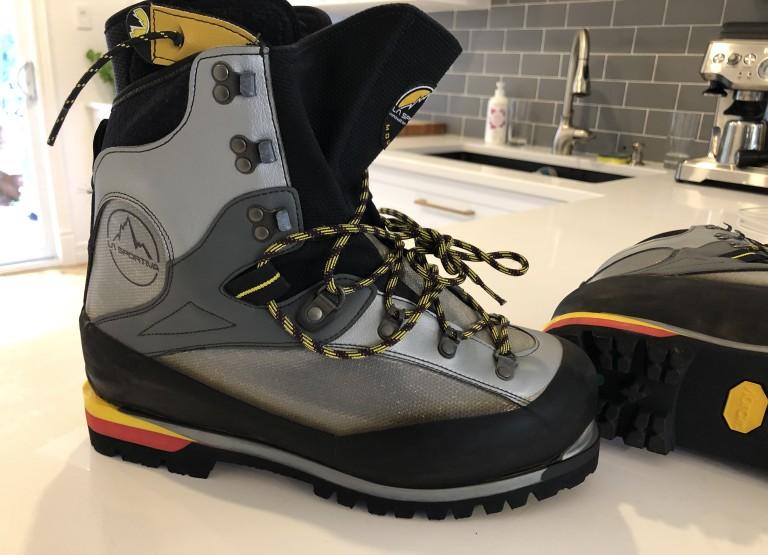 BRAND NEW 42 Alpine Boots La Sportiva Baruntse