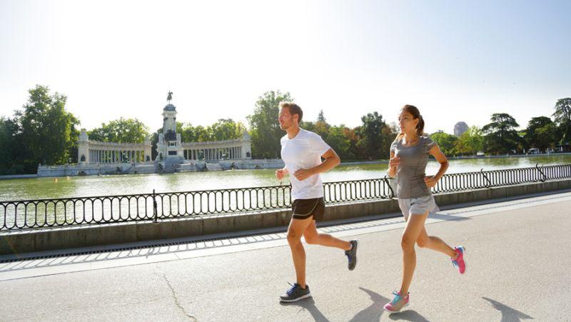 Course à pied dans le parc El Retiro à Madrid © Maridav - Shutterstock 06e04f76908