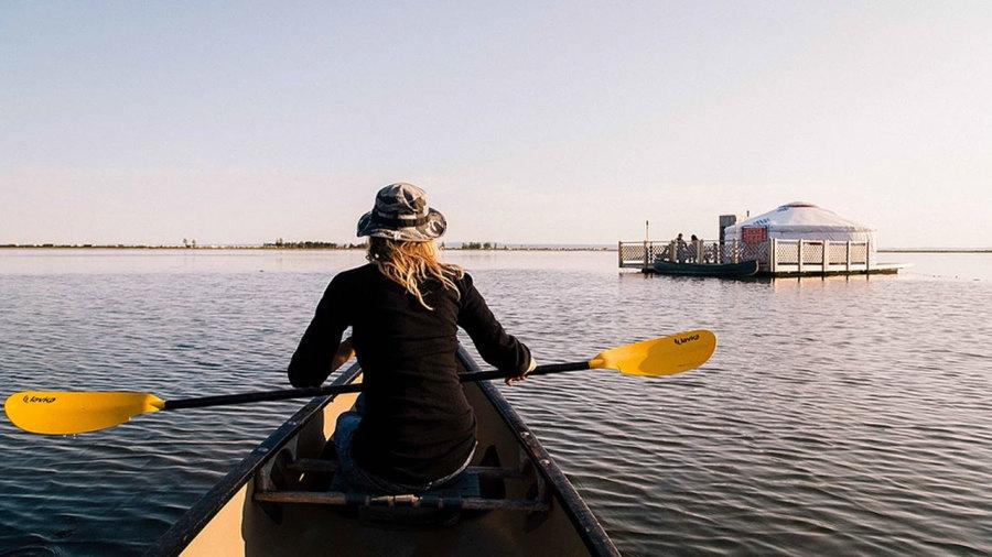 5 hébergements pour dormir sur l'eau au Québec
