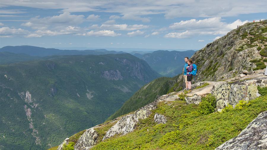 COVID-19 : la randonnée plus populaire que jamais au pays